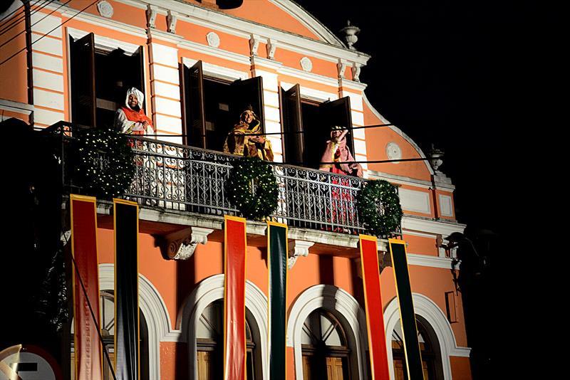 Auto no Largo da Ordem abre programação do Natal de Curitiba