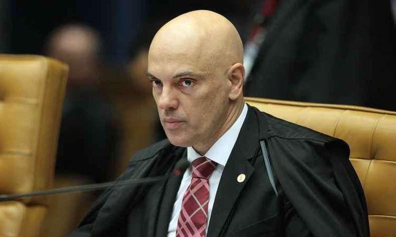 Ministros reagem à fala de Eduardo Bolsonaro sobre STF