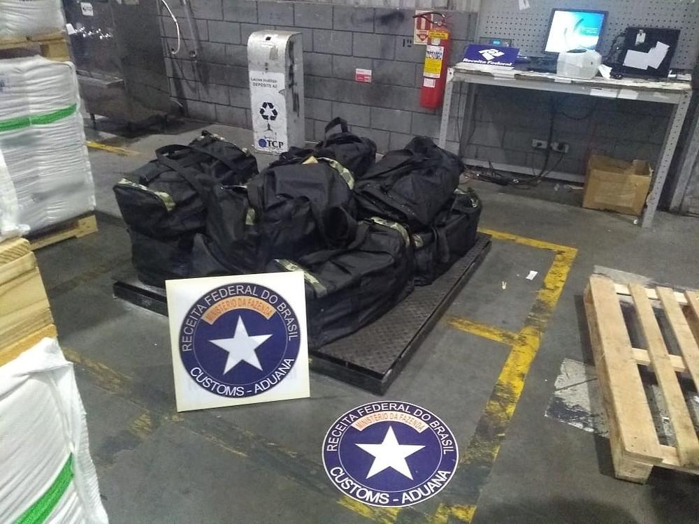 Receita apreende 305 kg de cocaína no Porto de Paranaguá