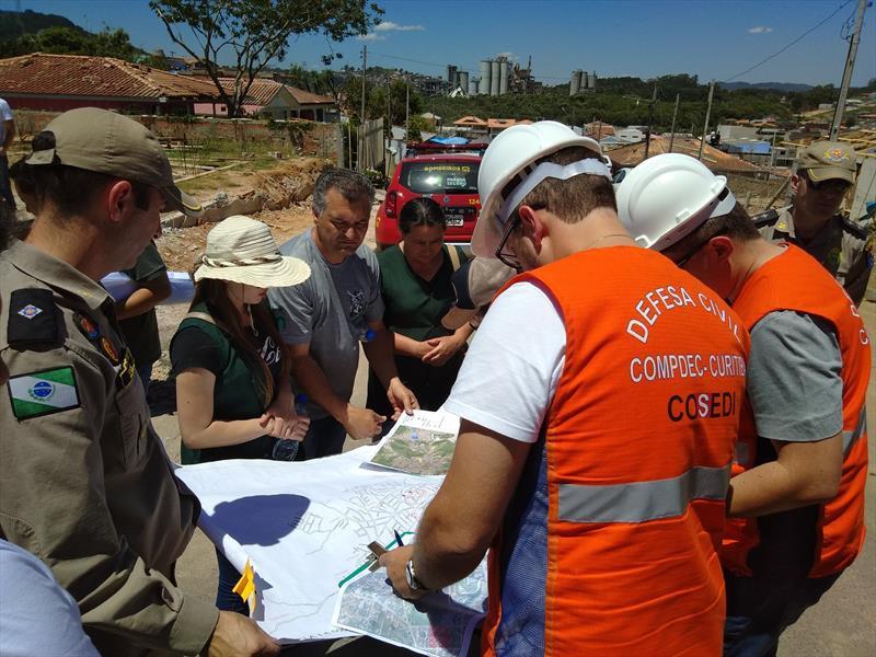 Vistoria aponta que 26 casas de Itaperuçu estão em risco