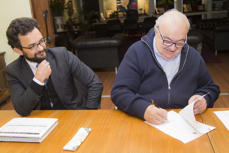 Prefeitura de Curitiba fará concurso para 111 novas vagas
