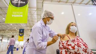 Curitiba vacina pessoas de 36 anos do segundo semestre