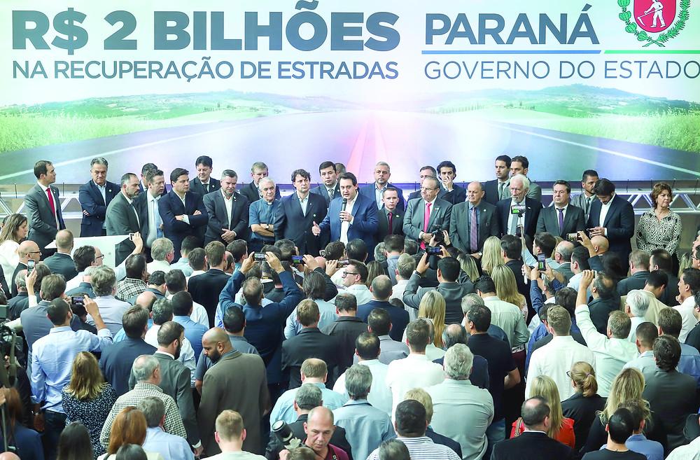 Ratinho Jr. anuncia R$ 2 bilhões para rodovias
