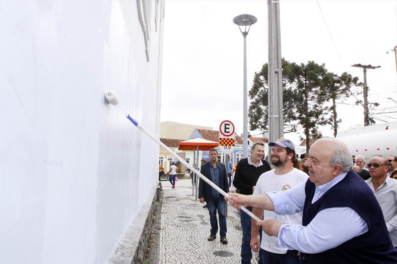 Greca lança programa de recuperação do Centro de Curitiba