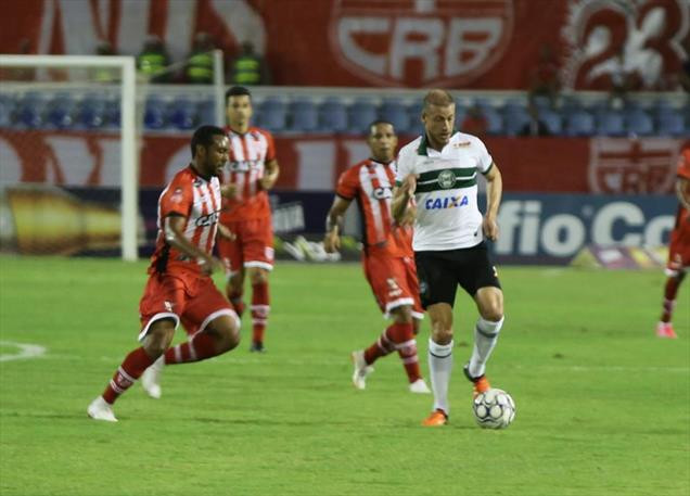 Coxa empata com CRB na estreia de Argel