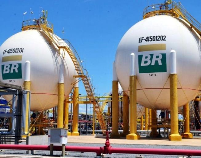 Petrobras anuncia redução de 2% na gasolina