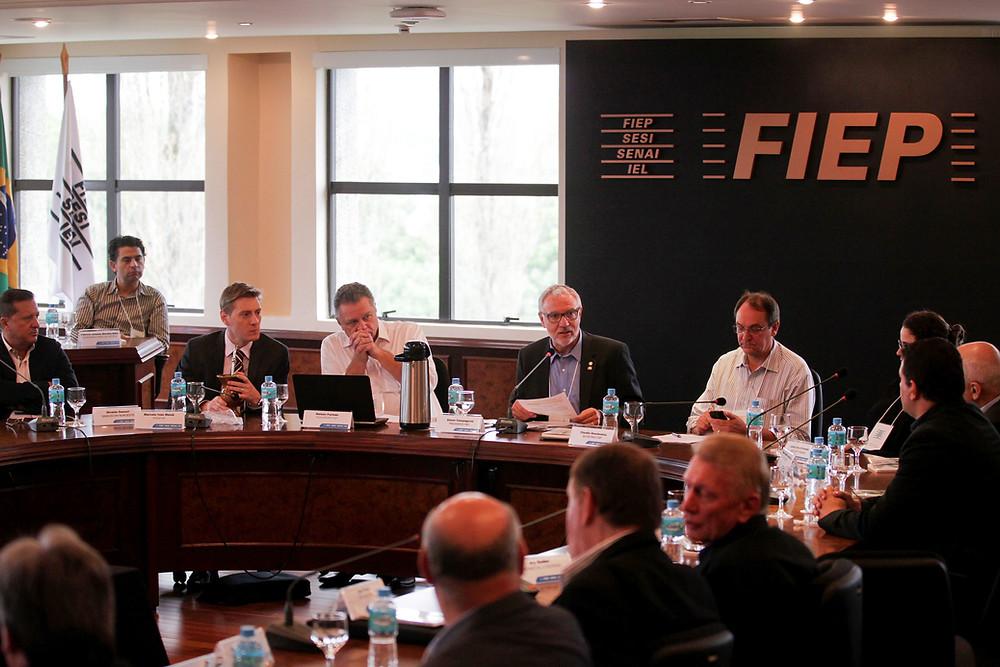Fiep promove encontro com candidatos ao governo