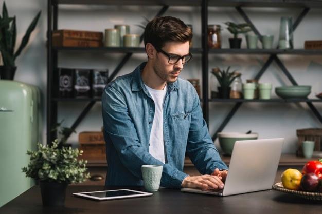 Startup oferece curso de inglês no smartphone