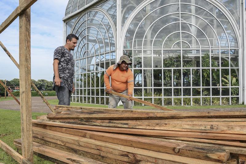 Prefeitura começa a recuperação da estufa do Jardim Botânico