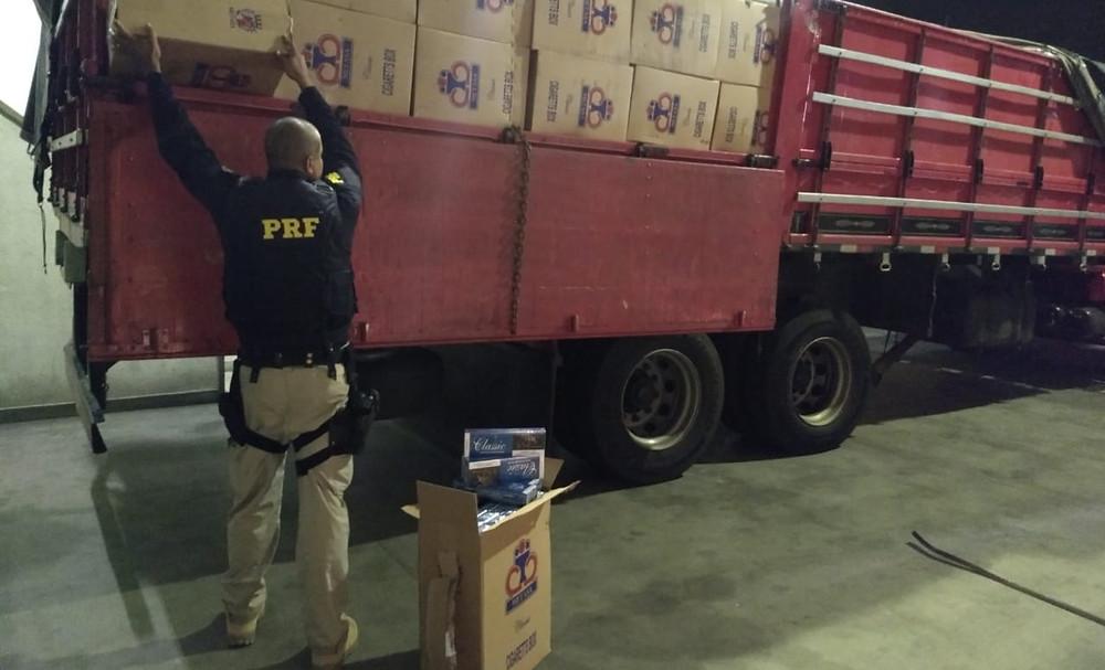 PRF apreende R$ 5,5 milhões em cigarros contrabandeados