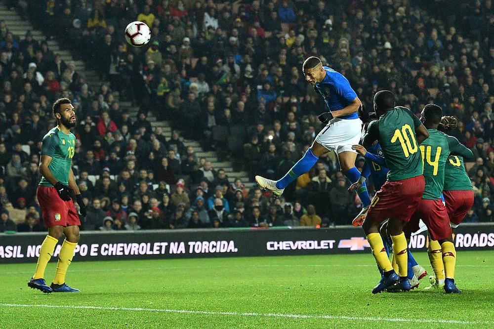Richarlison substitui Neymar e garante vitória da Seleção