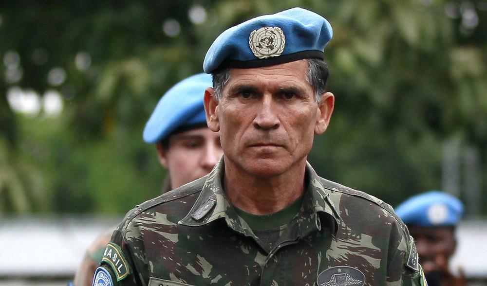 Ex-ministro diz que governo Bolsonaro é um show de besteiras