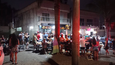 Força-tarefa encontra irregularidades e fecha 20 comércios em Curitiba