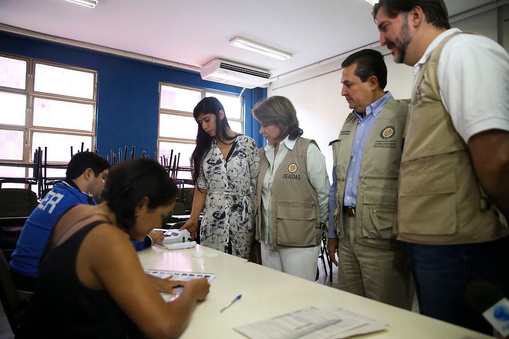 Missão da OEA elogia segurança de urnas eletrônicas