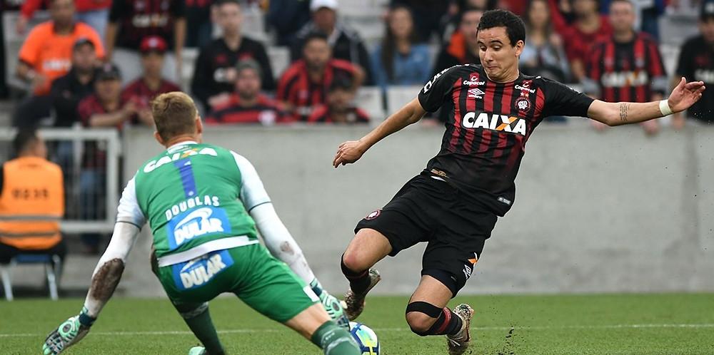 Atlético vence o Bahia e se afirma