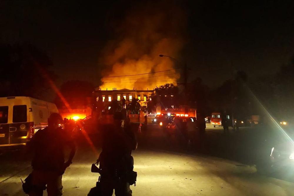 Museu Nacional do Rio de Janeiro é destruído por incêndio