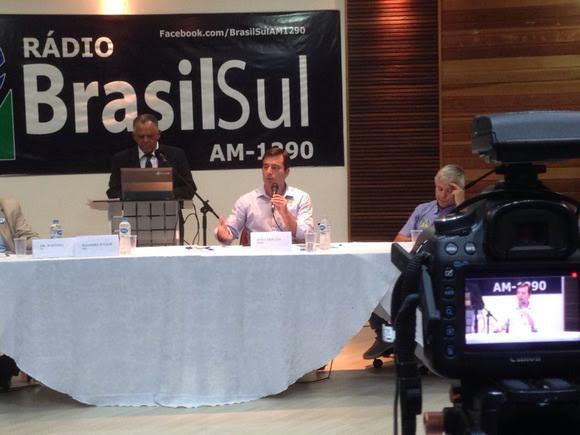 João Arruda promete congelamento das tarifas de água e luz no Paraná