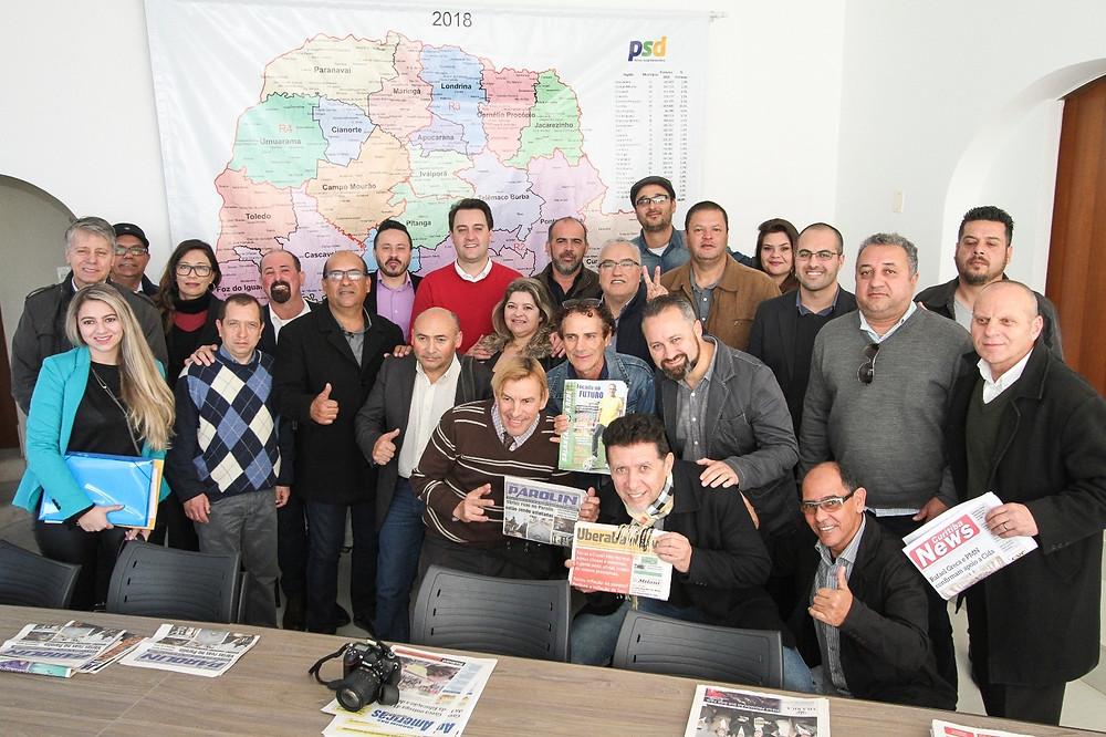 Ratinho Junior se reúne com jornais de bairros de Curitiba