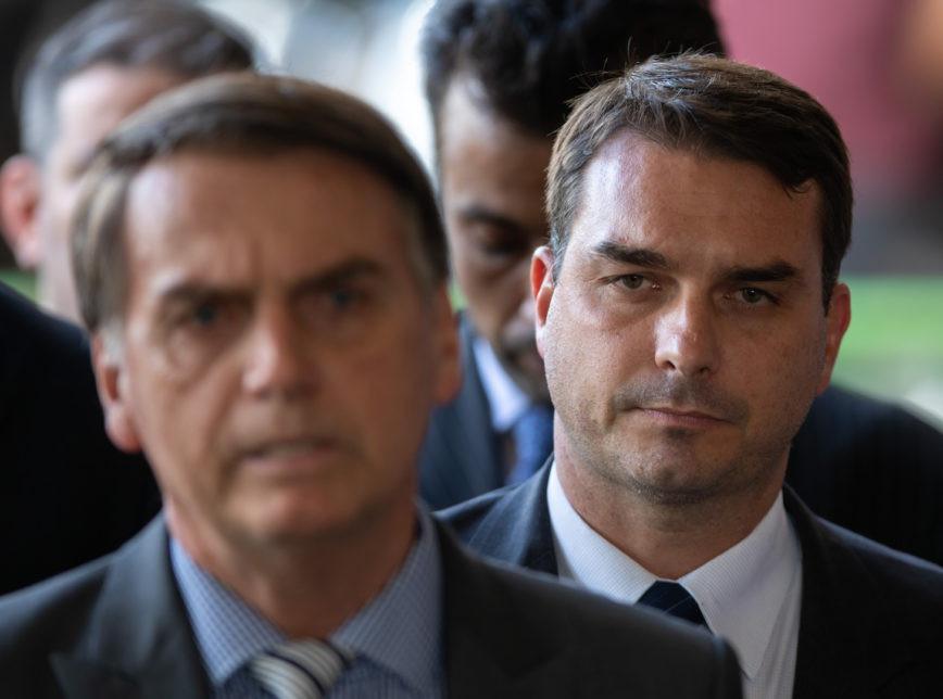 Coaf aponta que Flávio Bolsonaro recebeu 48 depósitos suspeitos