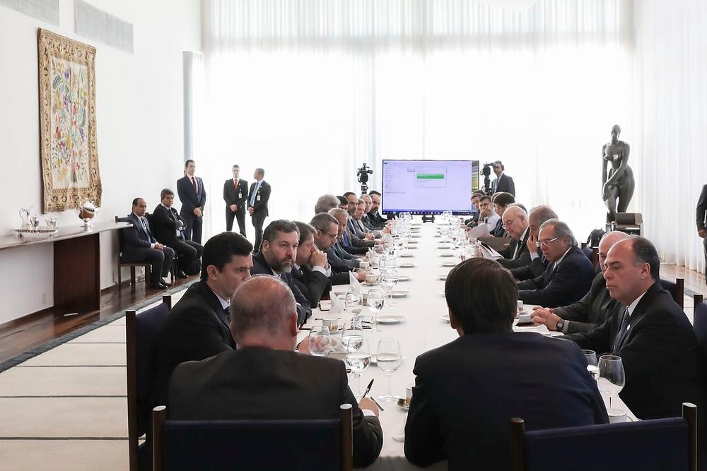 Bolsonaro desiste de ir a manifestação pró-governo