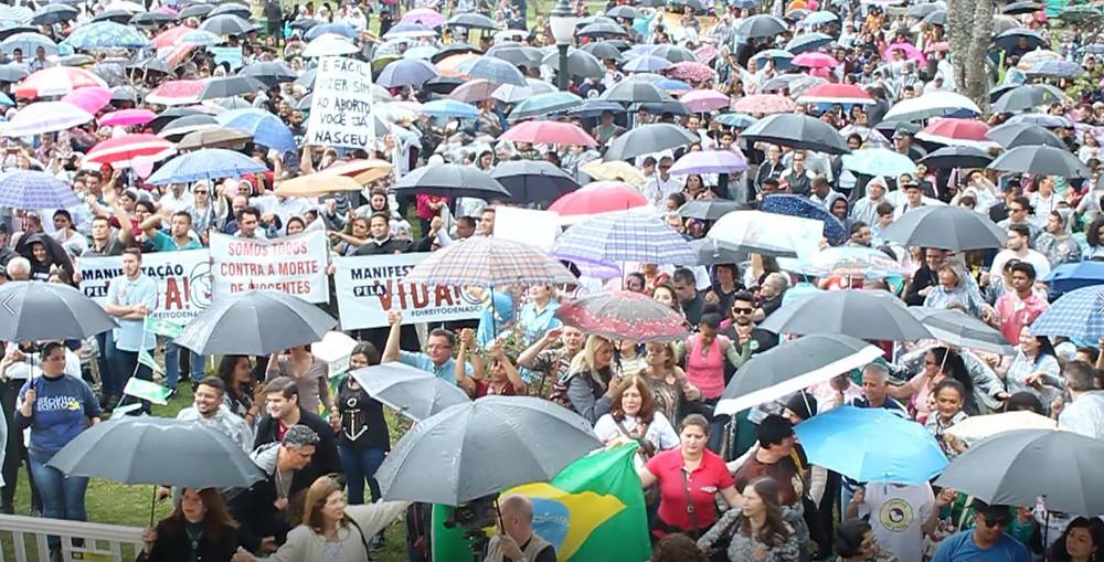 Curitiba tem manifestação contra o aborto