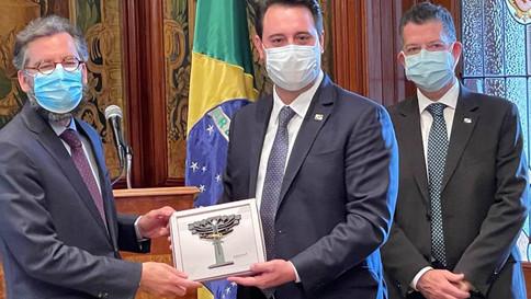 Ratinho Jr. apresenta potenciais do Paraná a investidores mexicanos