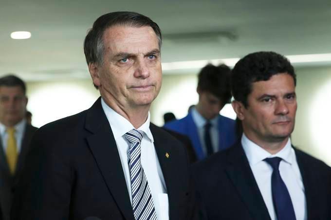 Bolsonaro volta atrás e nega acordo com Moro por vaga no STF