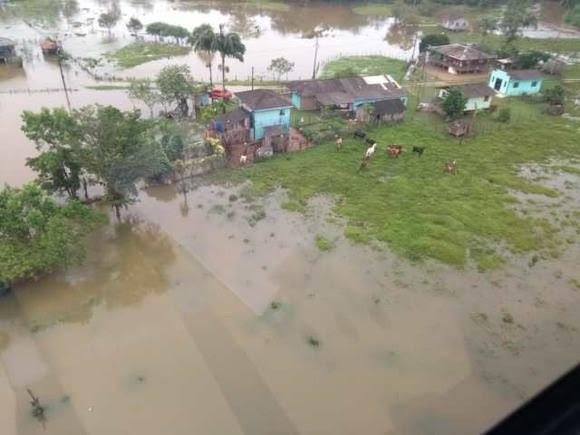 Chuvas causam enchentes na região de Guaraqueçaba