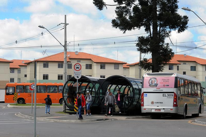 Guarda Municipal impede fura-catracas na estação-tubo Osternack