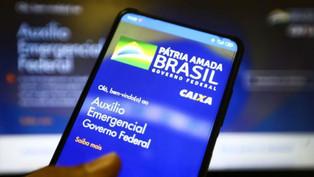 PF faz buscas no Paraná e sete Estados contra fraudes no auxílio emergencial