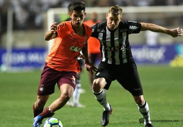 Atlético sofre virada do Galo em Minas