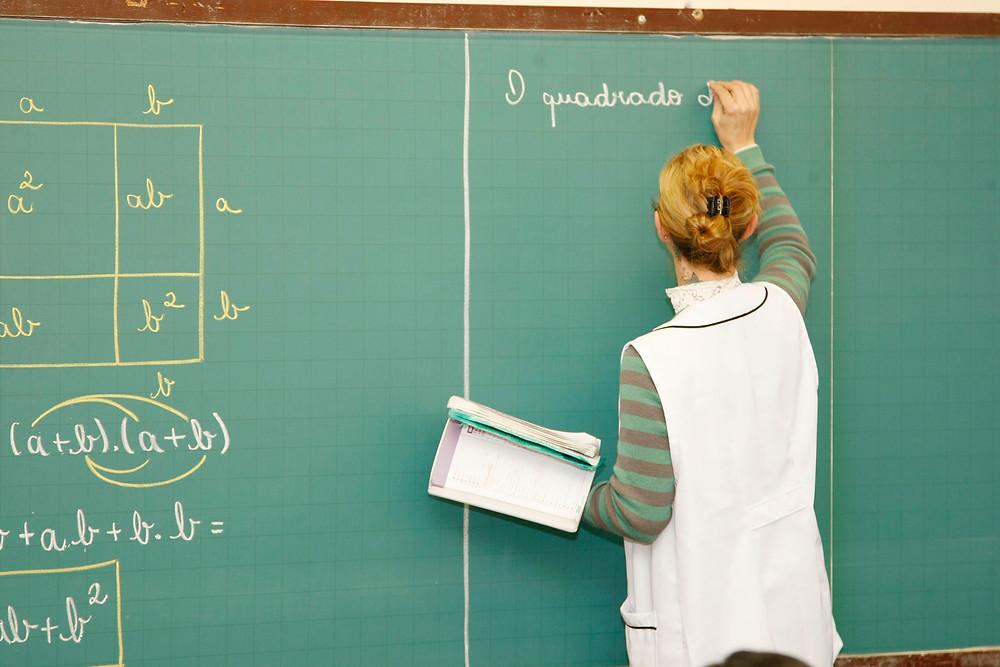 Inscrições para seleção de professores no Paraná começam quinta