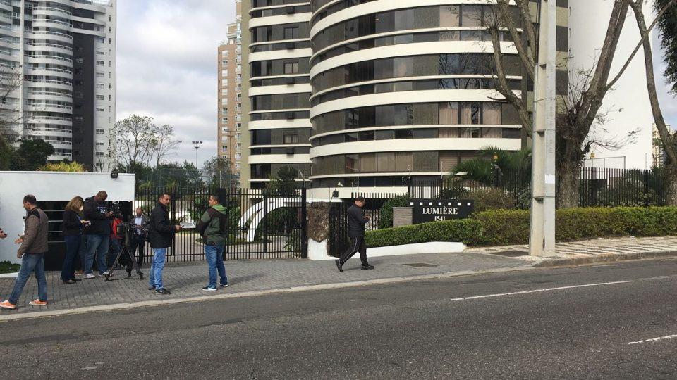 Beto Richa está preso por investigação estadual