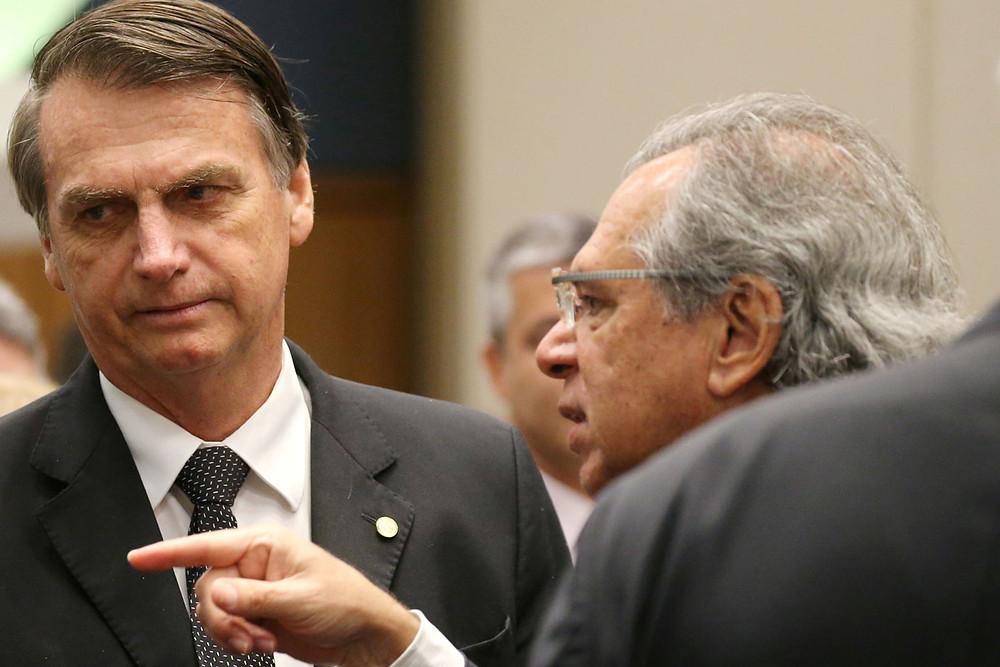 Bolsonaro diz que ninguém é obrigado a continuar ministro