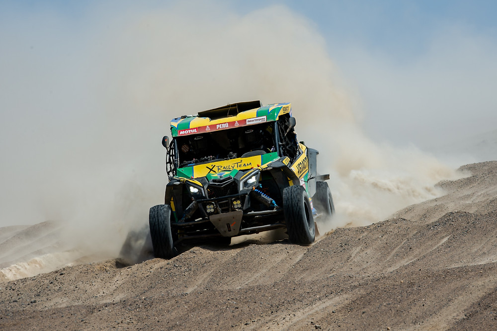 Brasileiros terminam em quarto e quinto etapa do Rally Dakar