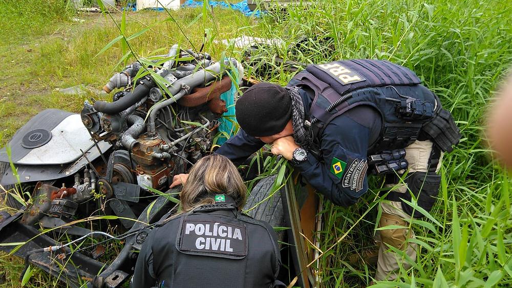 Polícia faz operação em desmanches no Litoral
