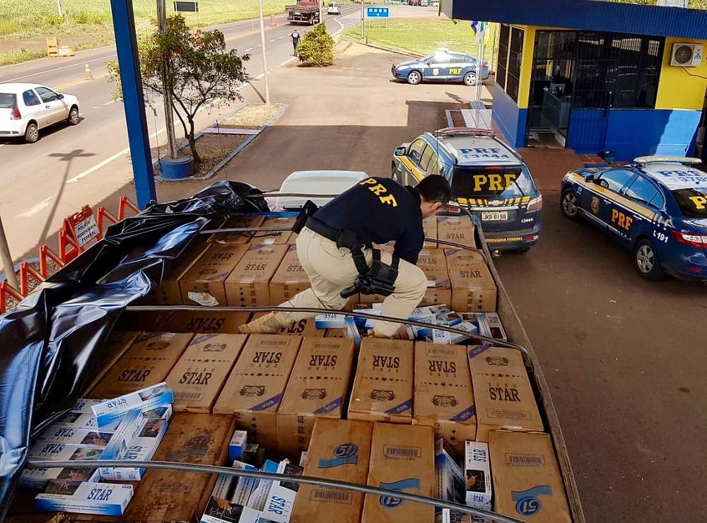 Souza Cruz doa máquina de triturar cigarros à Receita Federal