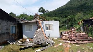 Chuvas danificaram 3 mil casas e derrubaram 900 postes