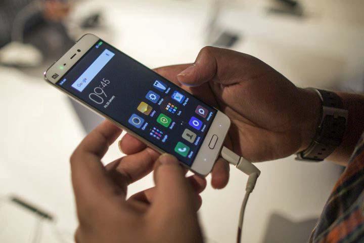 Anatel inicia domingo bloqueio de celulares no Paraná