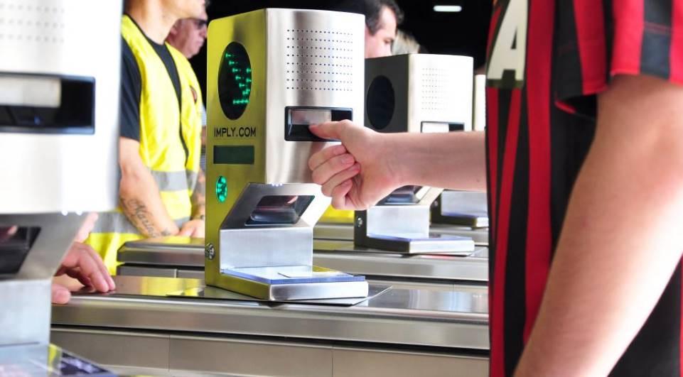 Câmara de Curitiba vota identificação biométrica em estádios