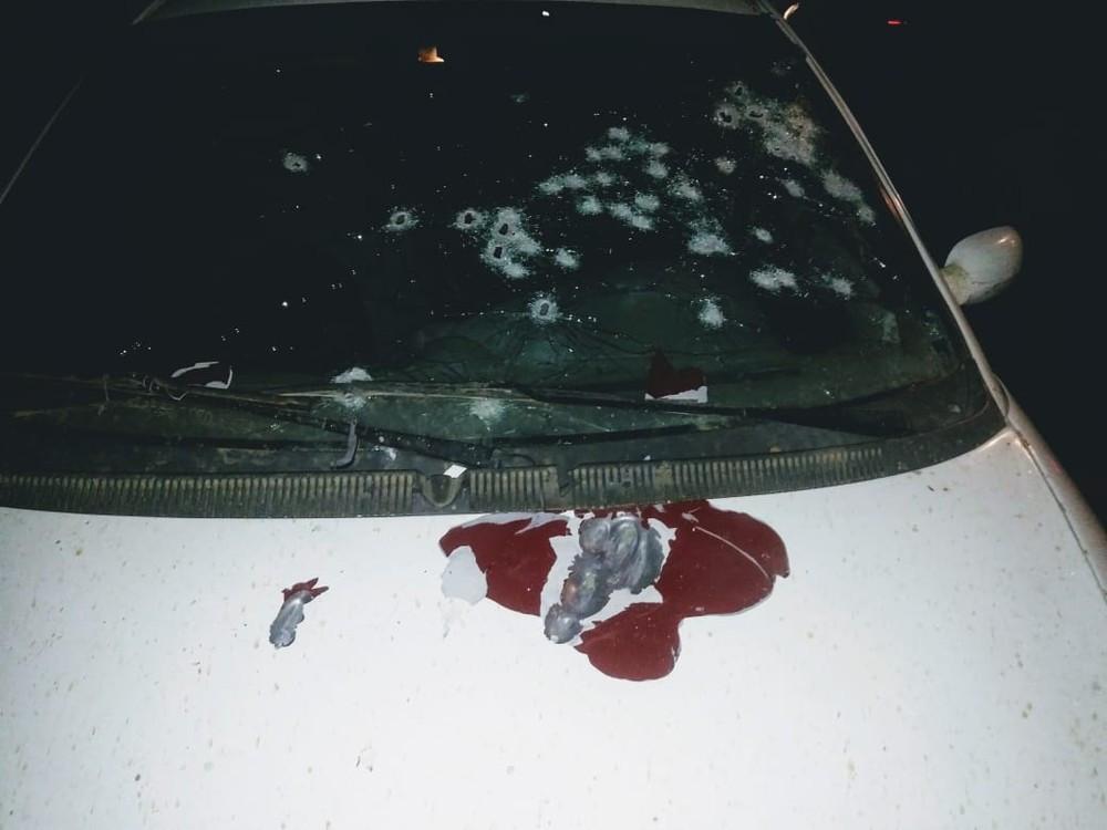 Quatro irmãos são encontrados mortos dentro de um carro