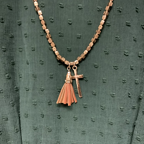Cross and tassel necklace brown