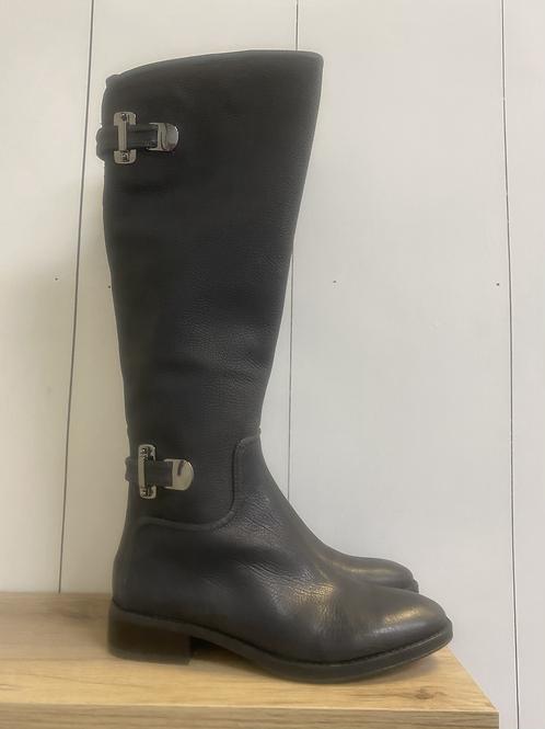 SIZE 6 Antonio Melani Boots