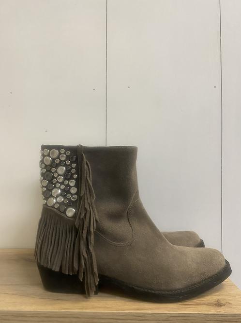 SIZE 6 Reba Boots