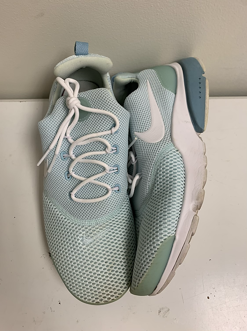 Baby blue Nike prestos size  9