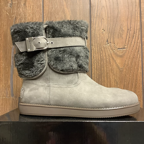 Size 9 new with tags guess faux fur/suede boots