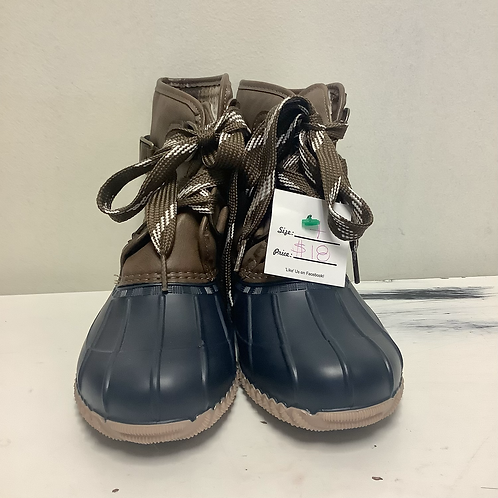 Size 7 Magellan Outdoors Boots