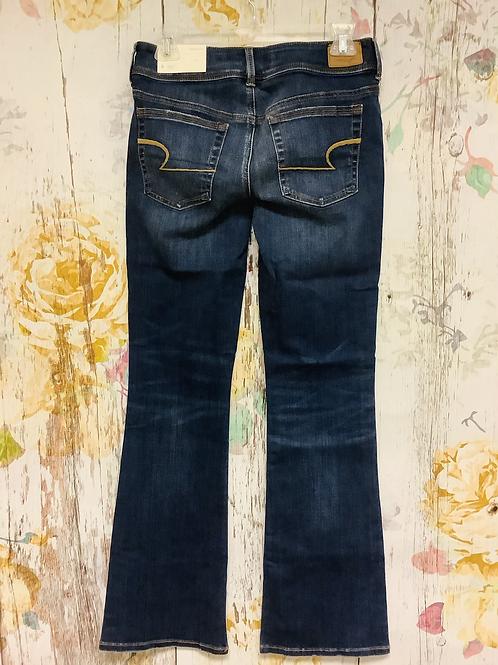 Size 6 regular American Eagle kick boot jeans