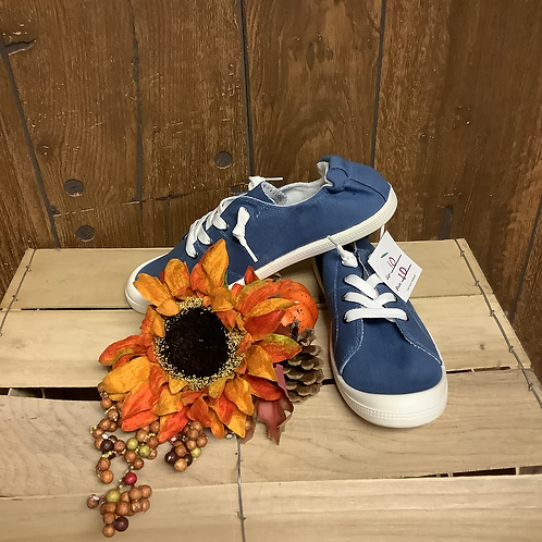 Blue Weeboo shoes size 10