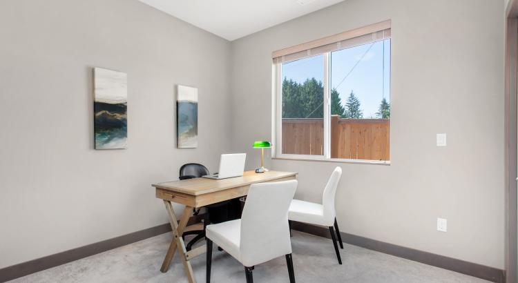 11 Den-Guest Room
